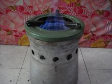 Small gas cooker using pellet biocarbon